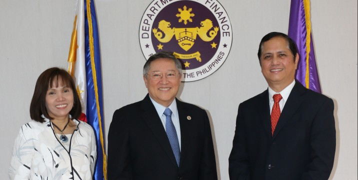 Dominguez swears in Tan as PDIC chief, De Leon as National Treasurer